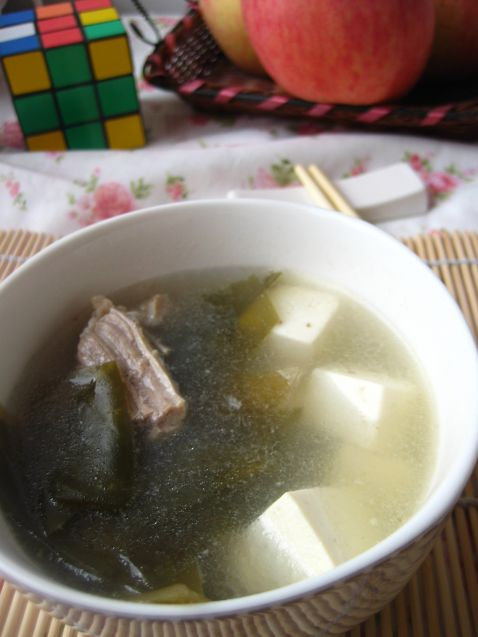 骨汤海带豆腐iu.jpg