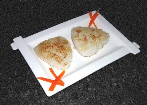 香煎寿司饭团的做法_家常香煎寿司饭团的做法