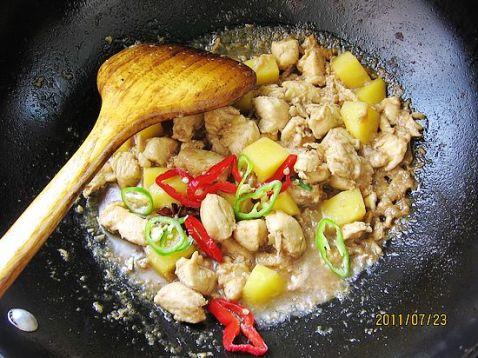 土豆鸡丁kj.jpg