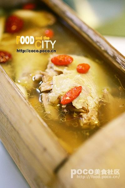 汤的怀旧色彩与新派川菜的做法 刨猪汤的怀旧色彩与新派川菜怎么