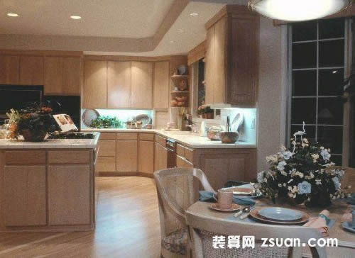 古典欧式大户型厨房实景图暖色橱柜