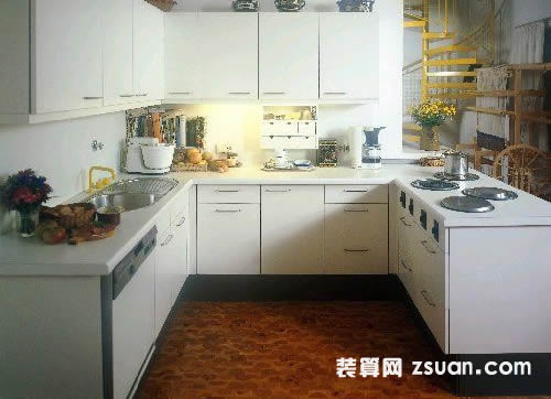 白色现代欧式大户型厨房实景图中性色橱柜