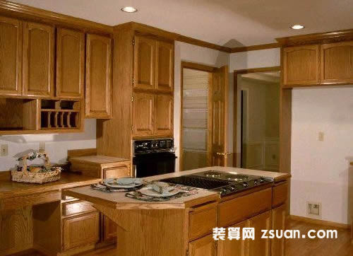 黄色现代欧式大户型厨房实景图暖色橱柜