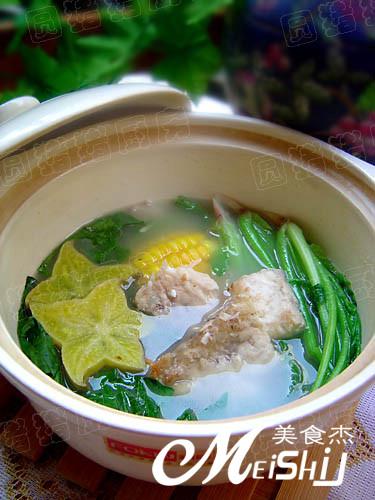 菠菜炖鱼骨的做法