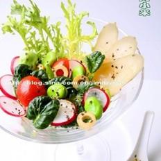绿橄榄菊花菜酸黄瓜沙拉