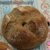 杂粮葡萄干面包