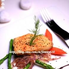 黑胡椒芦笋煎银鳕鱼