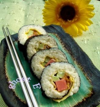 小猪烤肠寿司的做法_家常小猪烤肠寿司的做法