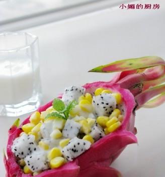 酸奶火龙果沙拉的做法