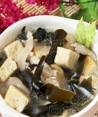 鲜蘑豆腐汤