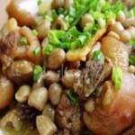 花生米炖猪蹄