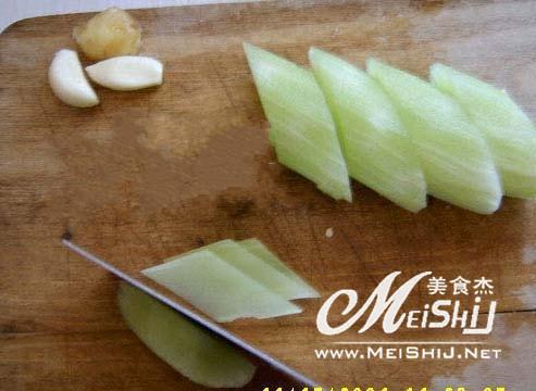 莴笋炒肉-全程图解的做法