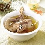 莲子薏米煲鸭汤
