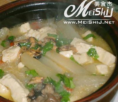 萝卜丝豆腐汤
