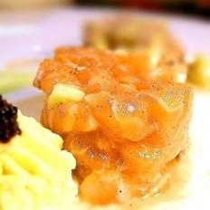 三文鱼沙律的做法