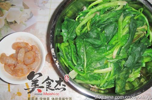 虾仁炒菠菜的做法