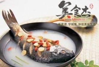 鱼汤可治腹泻的做法