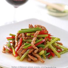 蒜苔炒牛柳的做法