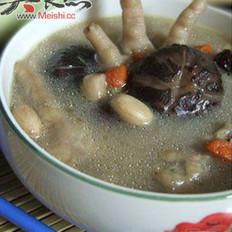 花生煮鸡脚汤的做法