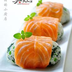 菠菜三文鱼饭团的做法