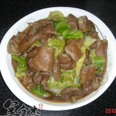 卷心菜烩猪大肠的做法