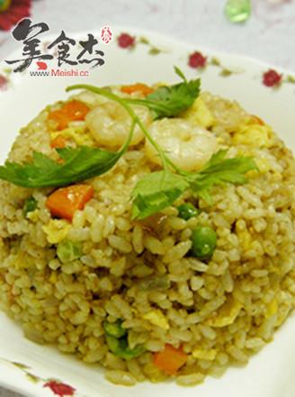 咖喱虾仁炒饭的做法