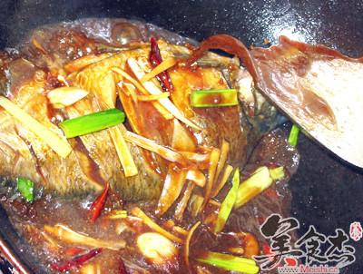 紅燒鯽魚RU.jpg