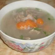 胡萝卜猪骨汤