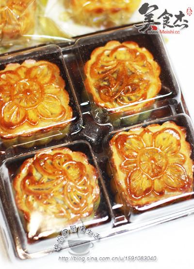 莲蓉蛋黄+豆沙蛋黄广式月饼rh.jpg