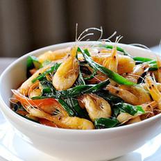 油爆韭菜小河虾的做法