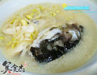黄豆芽鱼头豆腐汤的做法