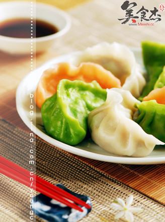 三色猪肉玉米馅水饺的做法