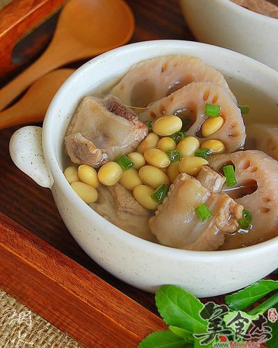 莲藕黄豆排骨汤Ah.jpg