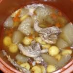 雪梨莲子鹌鹑汤