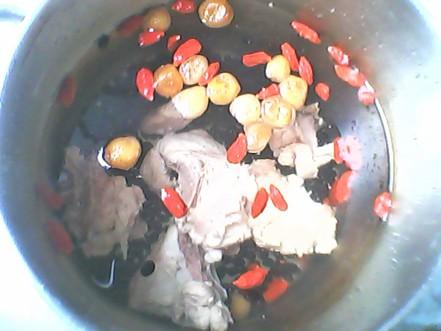 黑豆猪骨汤的做法图片