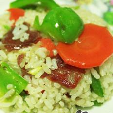 青椒腊肠炒饭的做法