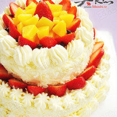双层草莓奶油蛋糕