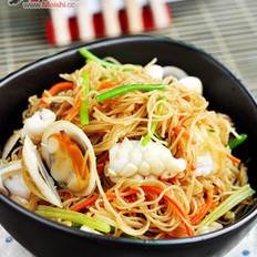 海鮮炒米粉的做法