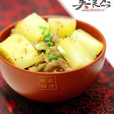 土豆蒸肥肠的做法