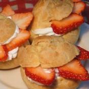 草莓奶油泡芙