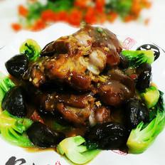 菜菇扒猪蹄的做法