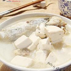 鱼鳔鱼头豆腐汤的做法