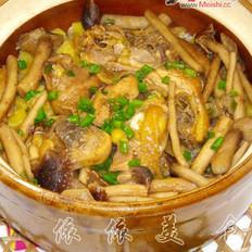 茶树菇滑鸡煲仔饭的做法