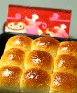 枫糖椰浆餐包的做法