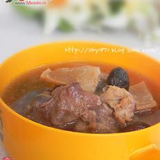 目鱼筒骨汤
