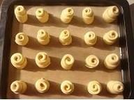 淡奶油小面包TM.jpg