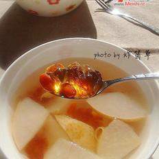 桃膠枸杞雪梨水的做法