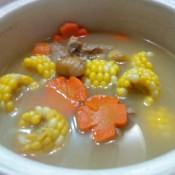 玉米胡萝卜板栗排骨汤的做法