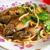 豆芽炖鲫鱼