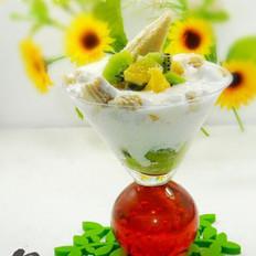 饼干水果酸奶杯